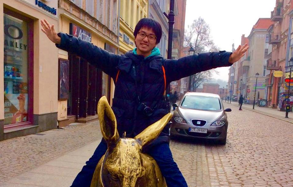 憧れのヨーロッパ。念願叶い、ポーランド屈指の国立大・ワルシャワ経済大学へ。