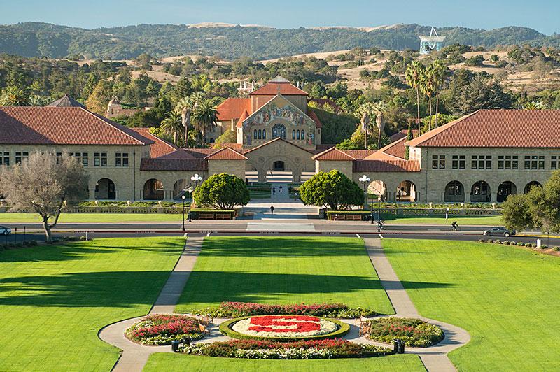スタンフォード大学が授業料無料へ。親の年収が1500万円以下の学生が対象。