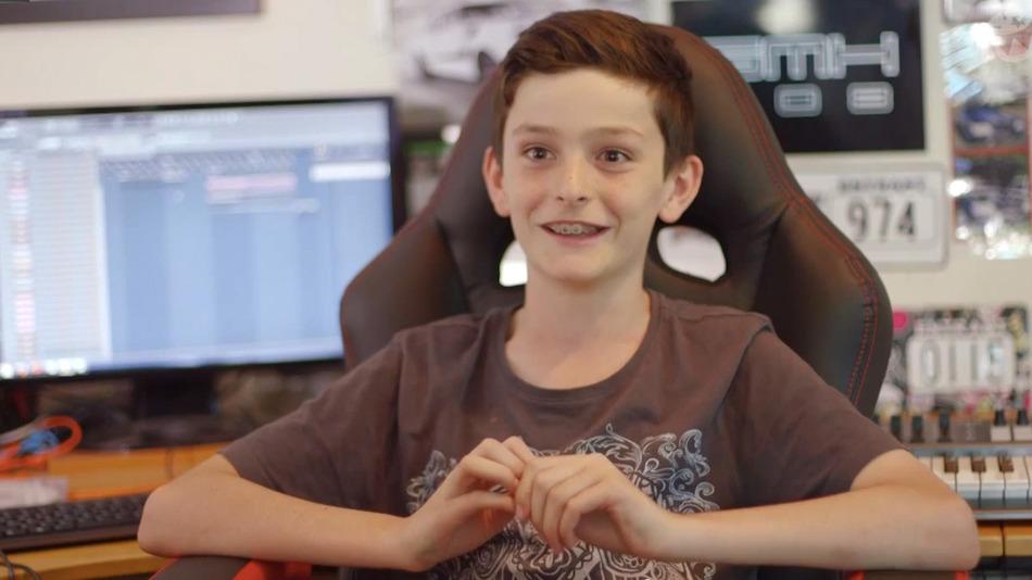 1万人を動員!11歳の少年がオーストラリアの音楽チャートを席巻!