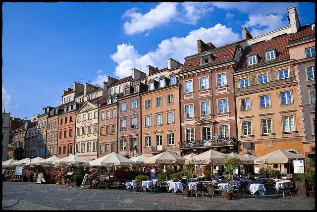 歴史と近代化が味わえる!世界遺産にも登録されたポーランド・ワルシャワの魅力とは。