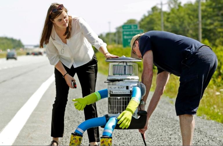 ロボットがヒッチハイク!?なんと1ヶ月足らずで単独カナダ横断に成功!