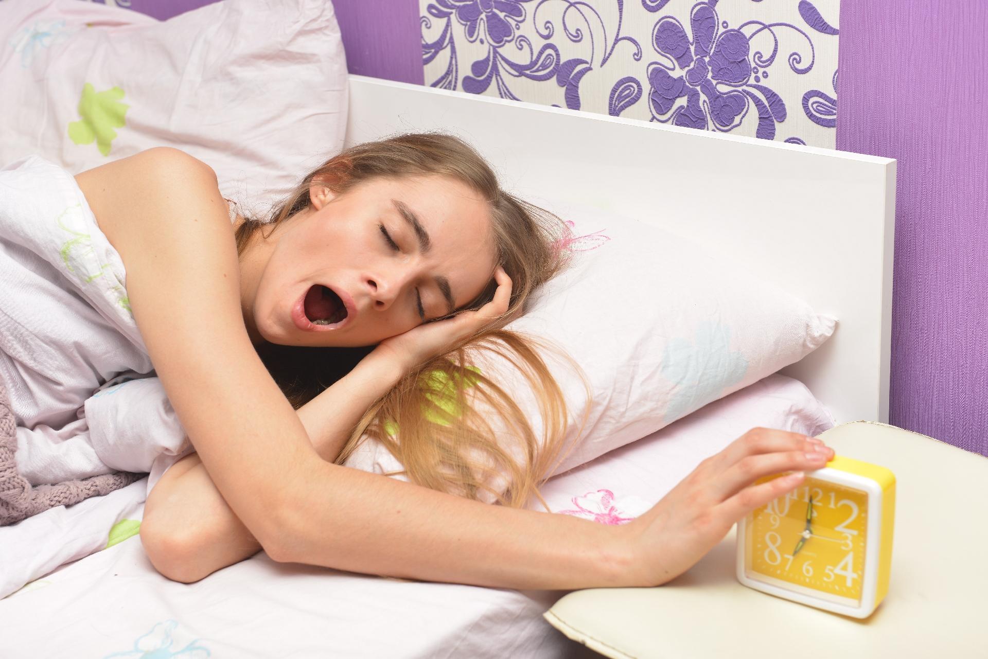 多忙な大学生の睡眠。健康的な睡眠に最適なゴールデンタイムとは。