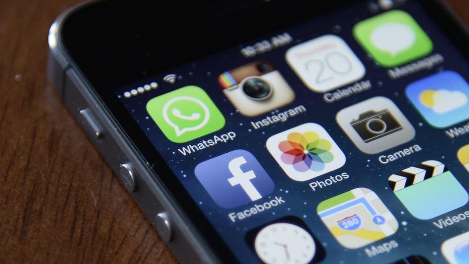 テクノロジーの発展で話題に上がる「テレビvsアプリ」。人々がより時間を費やしているのはどちら?
