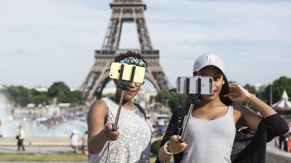 旅のマナーを守ろう!世界で問題視される「迷惑な観光客が行っていること」とは。