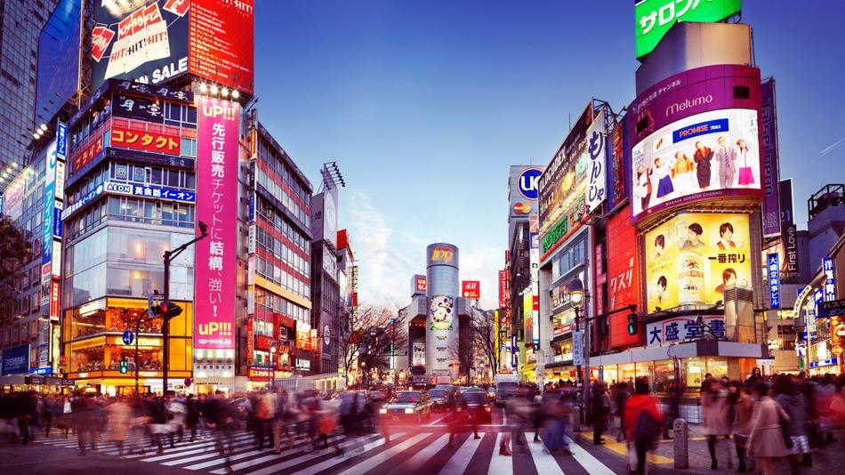 来年から旅行客増加に向けて導入!日本に来る観光客が翻訳ロボットを使う?