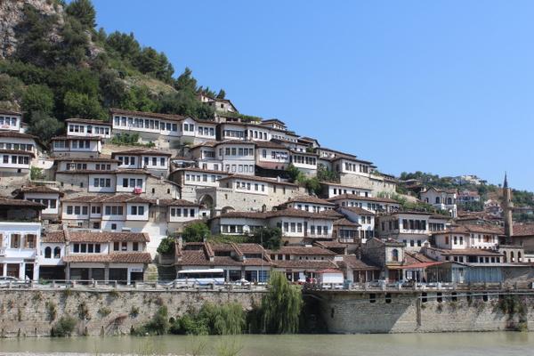 アルバニア1-001