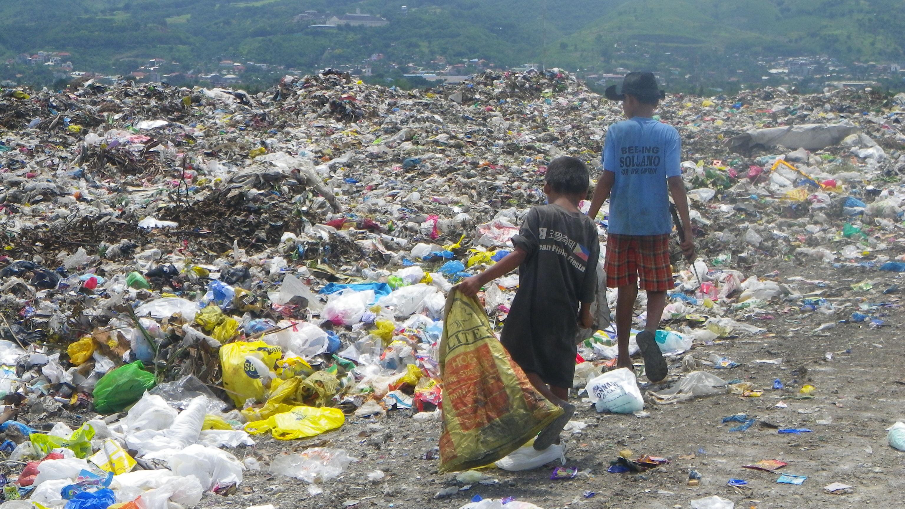 どうすれば貧困層を救えるのか。途上国の悲惨な現状がもたらす使命感。