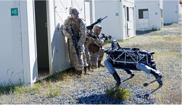 戦場でロボットが戦う!?アメリカ海軍がGoogle開発の軍事ロボットをテスト。